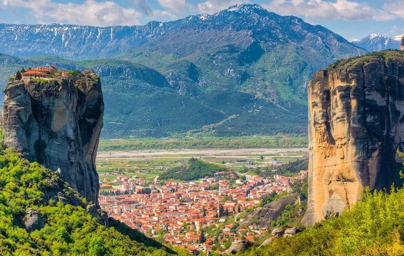 Meteora One Day Tour